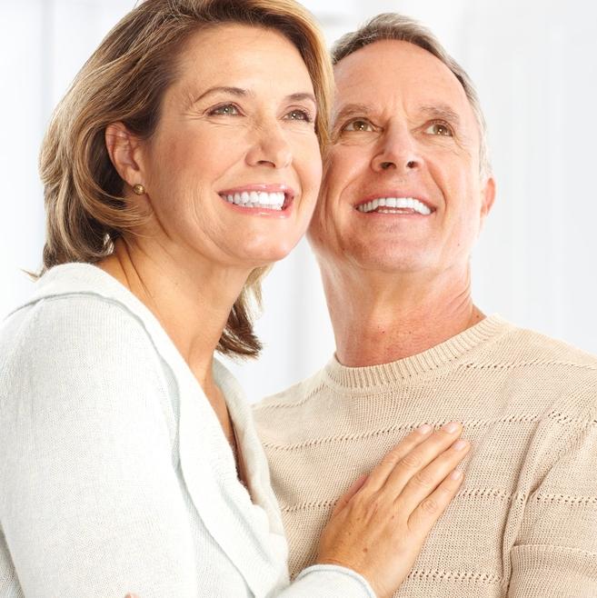 5 Motive pentru o vizita la stomatolog dupa 40 ani