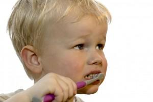 Trebuie sa tratam dintii de lapte sau asteptam ca acestia sa se schimbe?